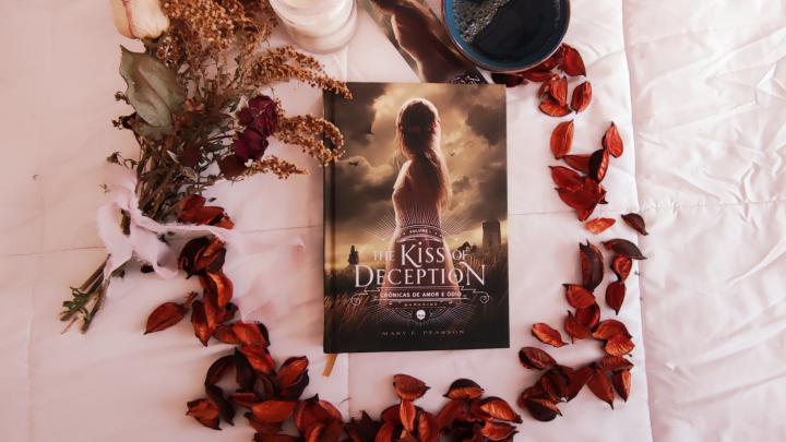 Resenha: The Kiss of Deception – Mary E.Pearson